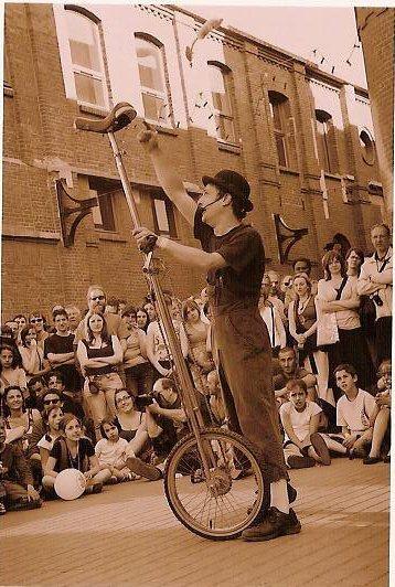 monocycle giraffe